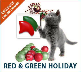 Santa isn't the only one who likes to get decked out for the holidays. Your kitty would love to strut around in some seasonal style, with our Red & Green Combo.